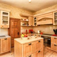 Spacious kitchen with oven, fridge, hob, washing machine & dishwasher.