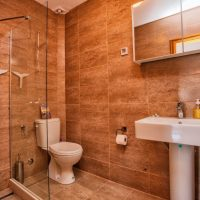 Upstairs WC and shower room. (Villa Ruza)
