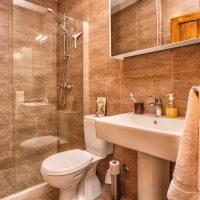 Downstairs WC & Shower. (Villa Ruza)
